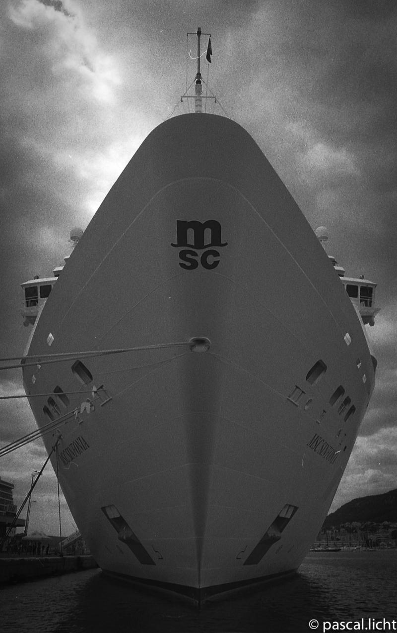 msc-sinfonia-cruise-nave