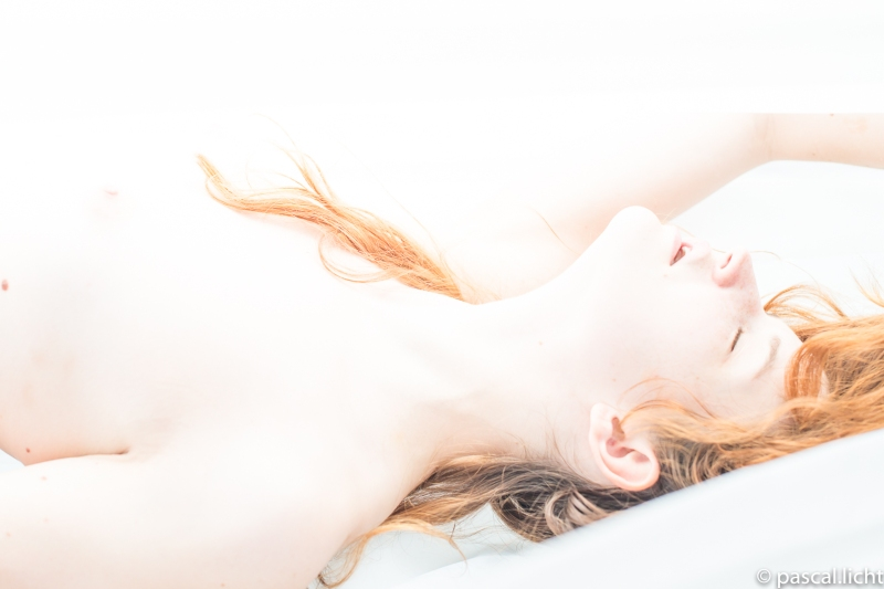 Naked red- hair woman. Rotes haare Aktfotografie.